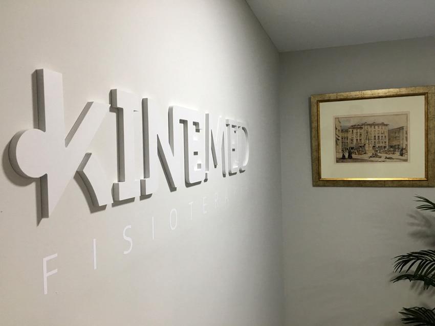 Kinemed Letras Corpóreas en subida a sala de Pilates