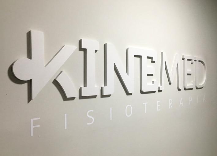 Logotipo Kinemed